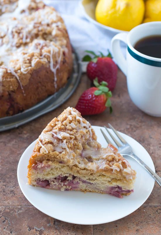 Strawberry Lemonade Coffee Cake - The Law Student's Wife: Memorial Cakes, Coffee Cakes, Strawberries Lemonade, Cakes Recipes, Streusel Tops, Fresh Strawberries, Strawberry Lemonade, Lemonade Coffee, Law Student