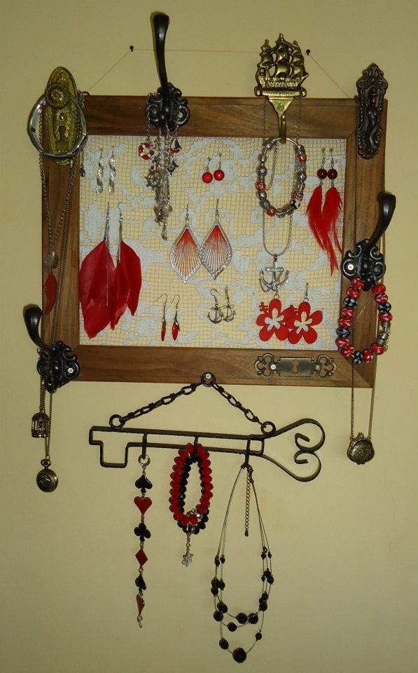 wall jewelry case
