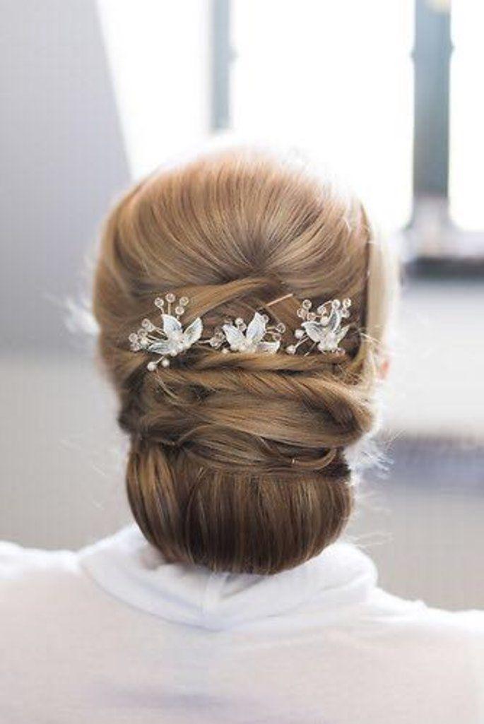 Brautfrisur Und Make Up Wie Man Sich Als Braut Richtig Stylt Brautfrisur Und Make Up Klassischer Dutt Brautfrisur