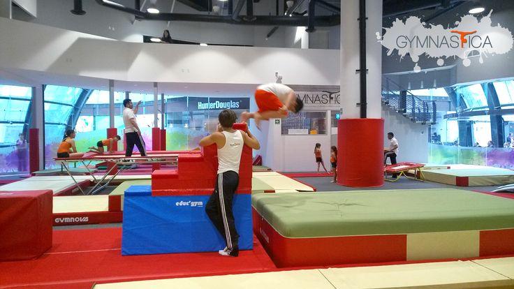 ¿Qué mejor manera de pasar las vacaciones que saltar y correr hasta cansarnos? Ven al #CursoDeVerano de #parkour :D  Informes: 9688 9113 y 9131 6203 info@gymnastica.mx