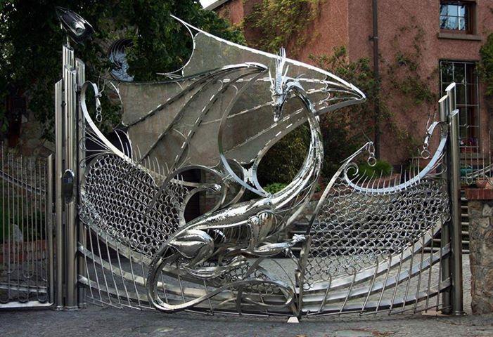 Dragon gate, Dragon at the gate?