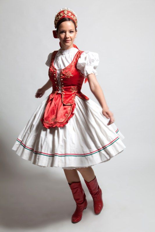 Magyar menyecske ruha || Hungarian folk wedding dress