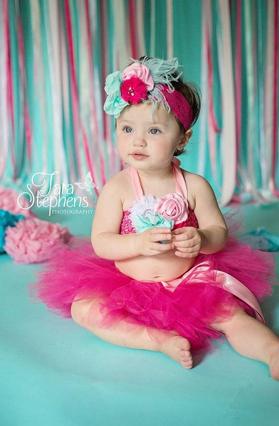 Pretty and perfect for a cake smash session, or birthday session.    3pc set includes: tutu top with satin tie, tutu, and matching headband