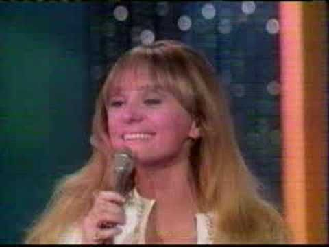 Jackie DeShannon - Put A Little Love in Your Heart, singing live in 1969