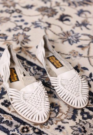 VINTAGE 80S WHITE LEATHER WOVEN SHOES SANDALS