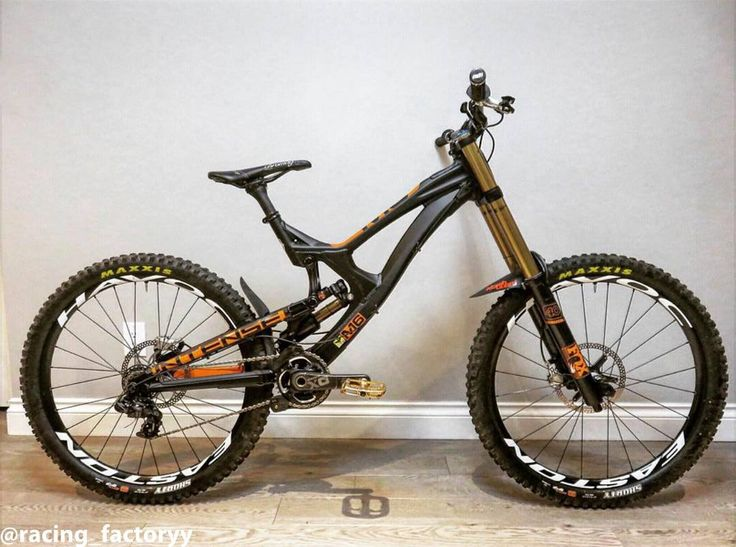 @mbeer86 's Custom Intense M16 with FOX suspension #mtb #bikeporn #sick #awesome #new #downhill #intense #m16 #2015 #easton #havoc #eastonhavoc #fox #foxfloat #fox40 #foxx2air #sram