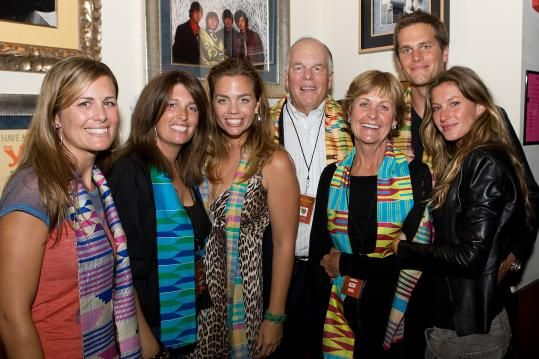 Tom Brady with parents, siblings and wife Gisele Bundchen