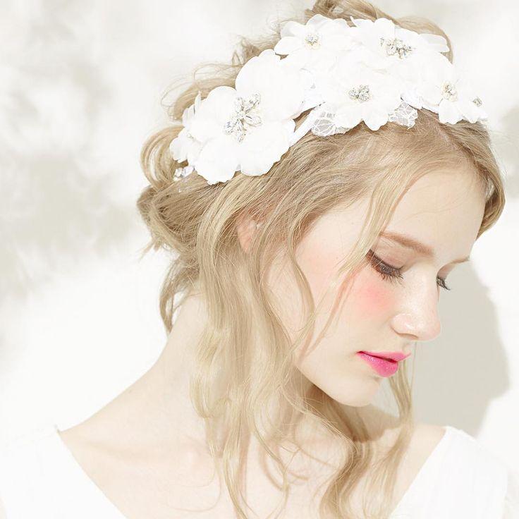 「fortune flower hair arrange by @ru0711 ※ブライダルコレクションは受注生産のためお渡しまで2ヶ月お日にちを頂戴します #hairaccessory #bridalhairaccessories #complexbiz #rumi_ヘアアレンジ」