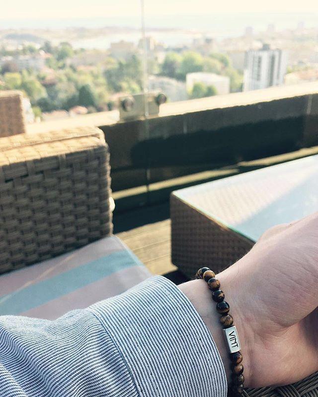 Great shot by @jgeraldes with his @vint.luxury tiger eye bracelet  ✨  #vint #vintluxury #vintfanpic #fanpic #luxury #theluxurylife #lifestyle #bracelet #jewelry #fashion #style #menswear #men #mensfashion #gentlemen #handmadejewelry #lovefashion #accessories #modauomo #uomo #color #look #accessoriuomo #menwithstyle #wristgame #wristporn #keepingitclassy #tigerseye #mensbracelet