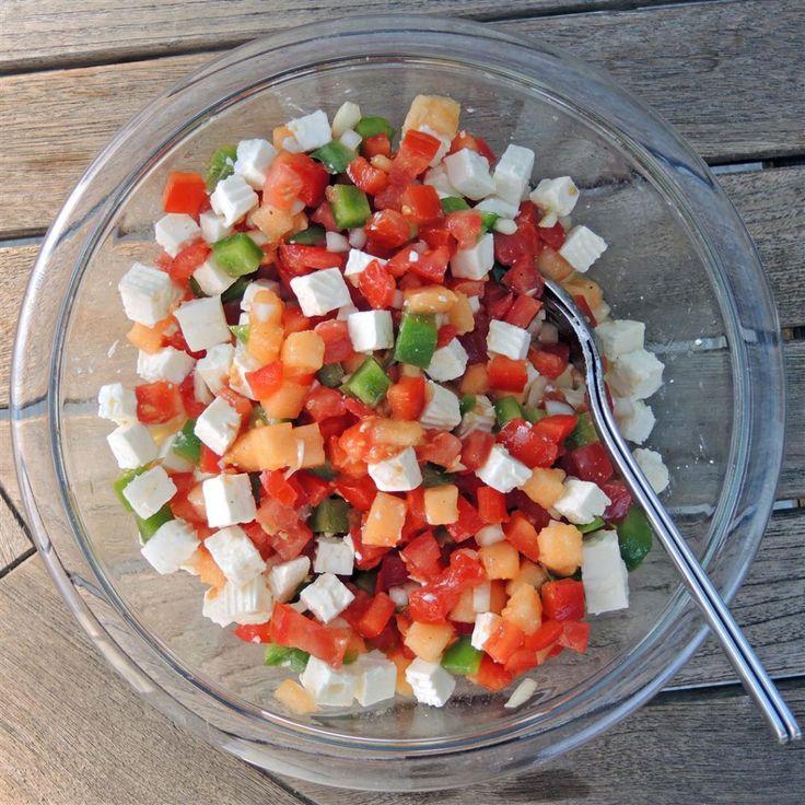 Sommersalat Trampo Mallorquine (Paprika, Tomate, Honigmelone, Feta)