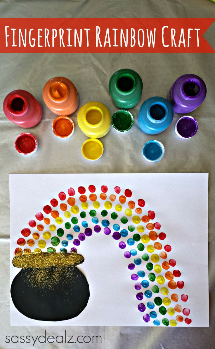 St Patricks Day craft for kids! Using their fingerprints you can make a rainbow, pot of gold, and shamrocks! #DIY | http://www.sassydealz.com/2014/02/fingerprint-rainbow-pot-gold-craft-st-patricks-day.html