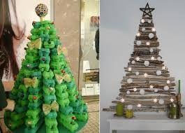 Resultado de imagem para árvore de natal com materiais desperdicio