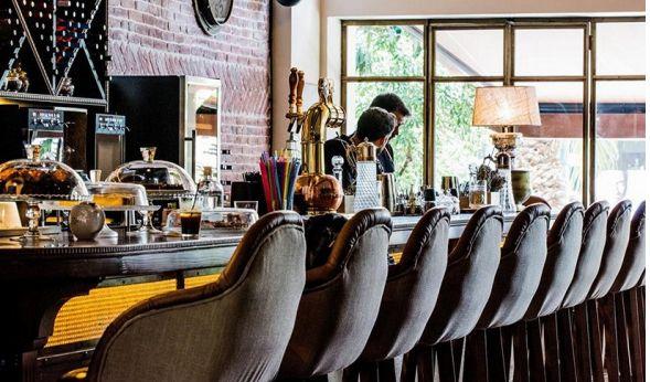 Κάναμε μια βόλτα στη Νέα Φιλαδέλφεια, μια από τις πιο ζωντανές περιοχές της πόλης και φτιάξαμε το δικό μας top 10 μπαρ, cafe και εστιατορίων. Δέκα