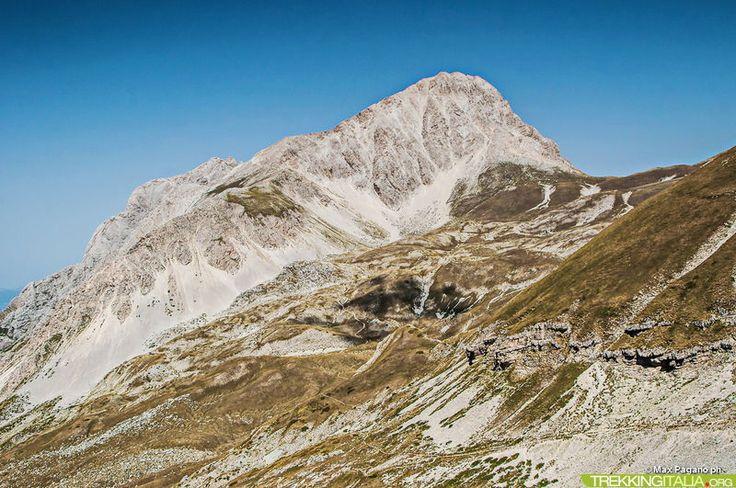 Oltre 2400: Gran Sasso e dintorni http://www.trekkingitalia.org/scheda/index/6688/11257/