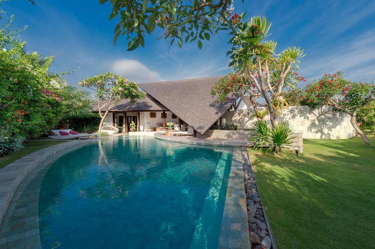 The Layar - Geria BaliGeria Bali #beautifuldestination #travellerworld #destinosmaravilhososbyeli #tgif #geriabali #luxuryworldtraveler #seminyak  #thosesummerdays__ #tbt  #balivilla #balivillaforrent #thegoldlist #luxwt #wonderland #holiday #vacation #honeymoon #ootd #bossresorts #vscocam #worldspotz #happyvibes #goodvibes #balibible