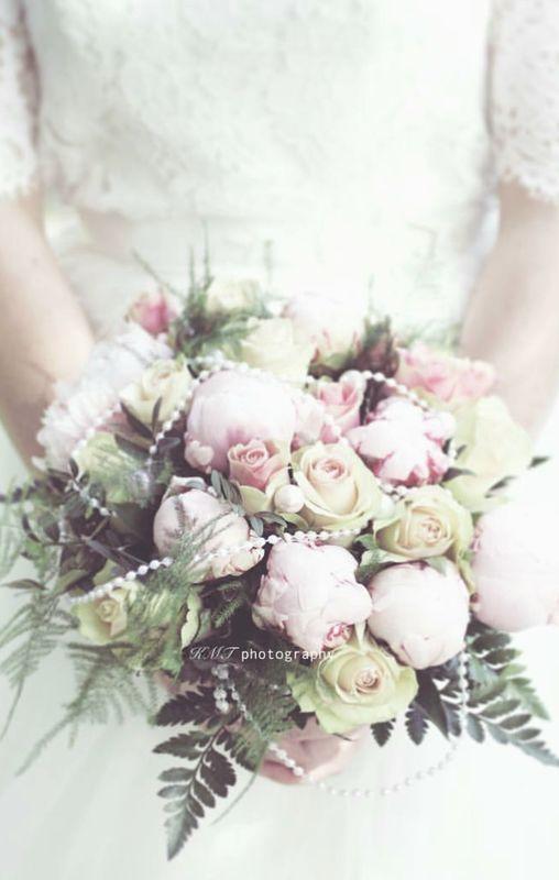 #WeddingBouquet - ślubny bukiet na Instagramie , fot. Instagram/kariannemt