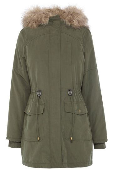 This new season parka features a gorgeous faux fur hood and detachable lining. The piece features a drawstring waist for the option of cincing in the waist to add shape. The jacket also has double pocket detailing on the waist finished with metallic snap button fastenings. The piece is finished with a concealed zip fastening on the lapel as well as elasticated cuffs to ensure extra warmth on those rainy days!