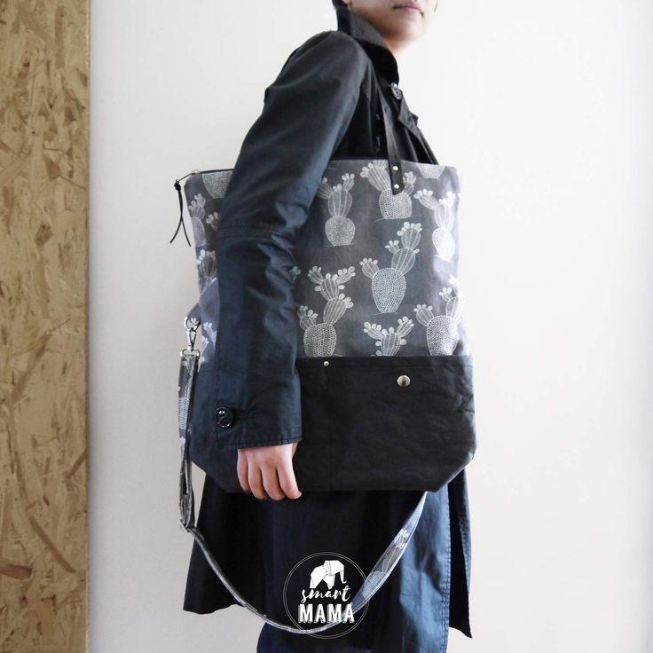 """Borsa """"Ficalinni"""" covertibile shopping bag e messenger, 2 in 1, canvas e snappap grigio e nero, stampa """"cactus"""" di SmartmamaLab su Etsy"""