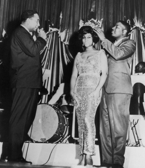 Aretha being crowned Queen of Soul