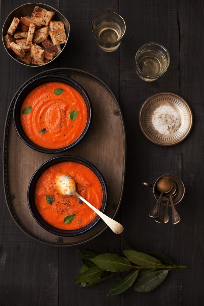 ♂ Food still life photography styling Rome, Germans, and a tomato soup | la casa sin tiempo