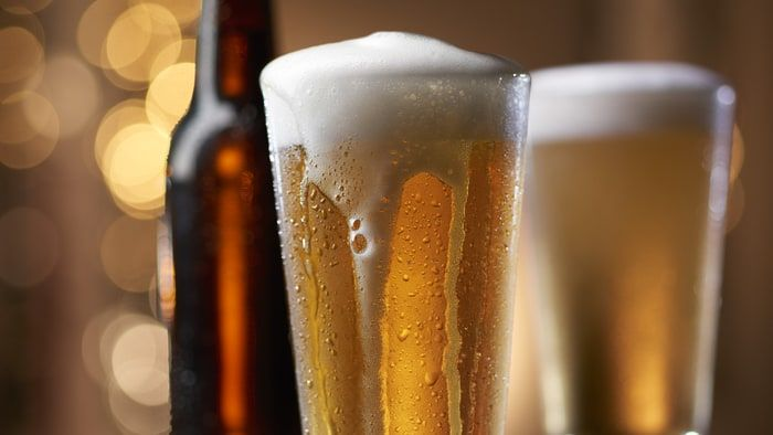 Yeni yapılan araştırmalar gösteriyor ki içilen iki bira, tezgah üstü ağrı kesicilerden daha etkili.   Greenwich Üniversitesi'ndeki...