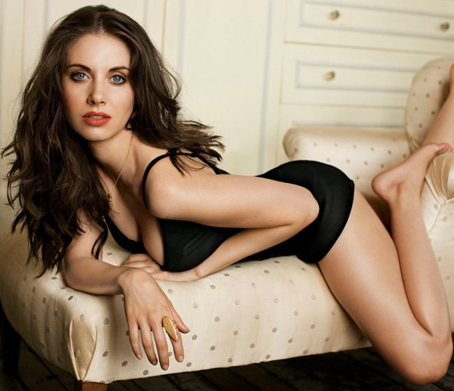 Alison Brie playing Annie on the NBC comedy, Community.