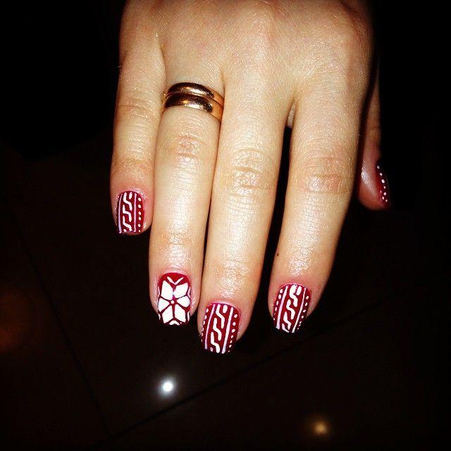 #uñas #unhas #unghie #ungles #nail #nails #fashion #christmas #design #decoración #cnd #shellac #decadence #sweater #winter #sansebastian #donostia #fashion #style #manicure #gel #red
