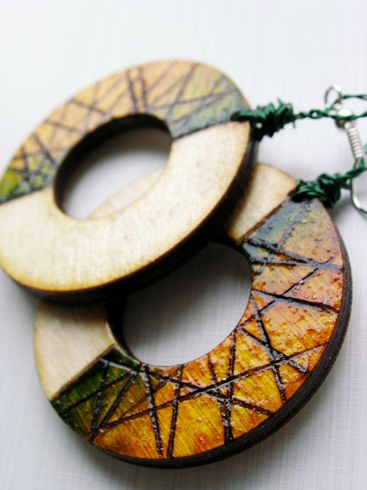 #wood #wooden #handmade #handcraft #earrings #pendientes #pyrography #green #jewelry