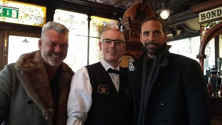 Fancy a pint?   @DarrenClarke60 and @rioferdy5 in the Crown Bar Belfast today with Michael Cosgrove #belfast #pub #utd #rio #instagood