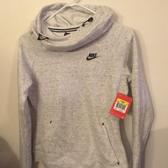 Nike fleece hoodie Nike Fleece Hoodie. Color is Summit White. Brand new with tags. Offers are welcome! Nike Sweaters