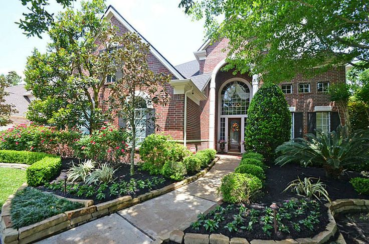 New gorgeous listing in Cinco Ranch Cinco Forest section.