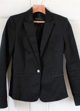 À vendre sur #vintedfrance ! http://www.vinted.fr/mode-femmes/blazers/27139912-veste-smoking-blazer-noir-cintree