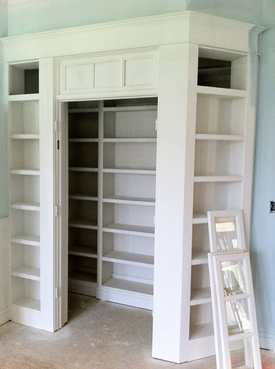 Onze bestaande opbergkast mooier maken............Ultimate. Pantry. Yeah.  #storage #kitchen #pantry https://www.facebook.com/pages/Stephen-Alexander-Homes-Neighborhoods/104160929225