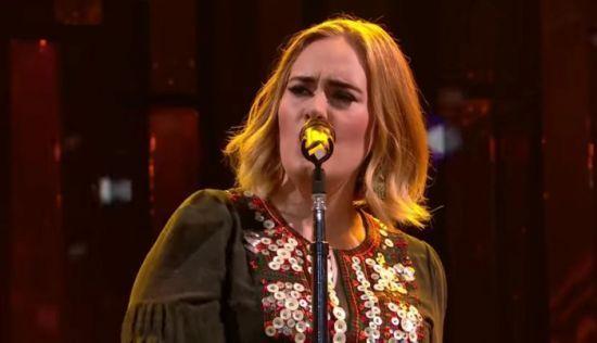 Adele domina a parada britânica de álbuns depois de show consagrador em Glastonbury #Adele, #Cantora, #Dj, #Festival, #Lançamento, #M, #Mundo, #Música, #Musical, #Noticias, #Novo, #Popzone, #PrimeiroLugar, #QUem, #Show, #Sucesso http://popzone.tv/2016/07/adele-domina-a-parada-britanica-de-albuns-depois-de-show-consagrador-em-glastonbury.html