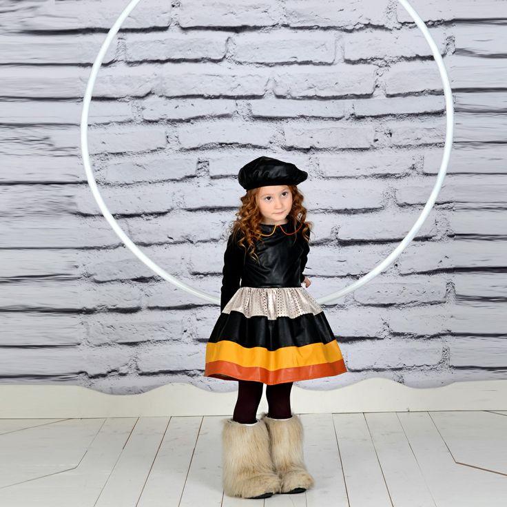 Тази страхотна рокля ще бъде истинско бижу в гардероба на вашето дете.