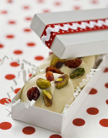 : Food Gifts, Food & Drinks, White Chocolates, Gifts Ideas, Pistachios, Chocolates Covers, Food Drink, Sweet Recipes, Cranberries