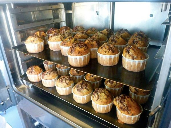 Paris street food - deuxfillesuncamion  muffins, soups, sandwiches, tarts with local ingredients