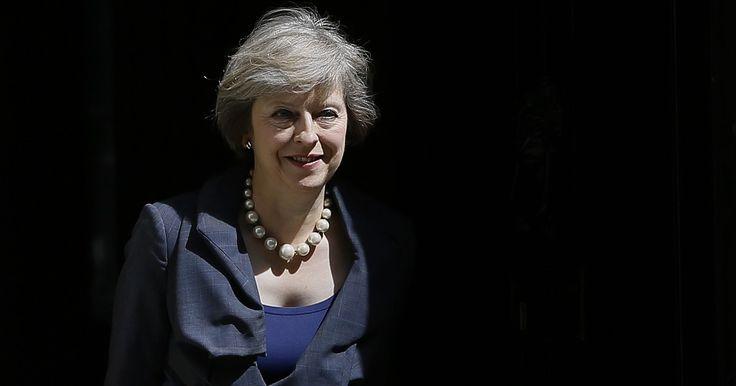 Theresa May assume nesta quarta cargo de premiê do Reino Unido