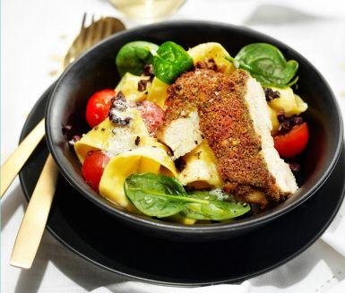 Recept: Svamp- och parmesangratinerad kyckling med tryffelpappardelle