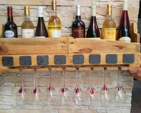 Support pour vins et verres fait main avec palettes et ardoises