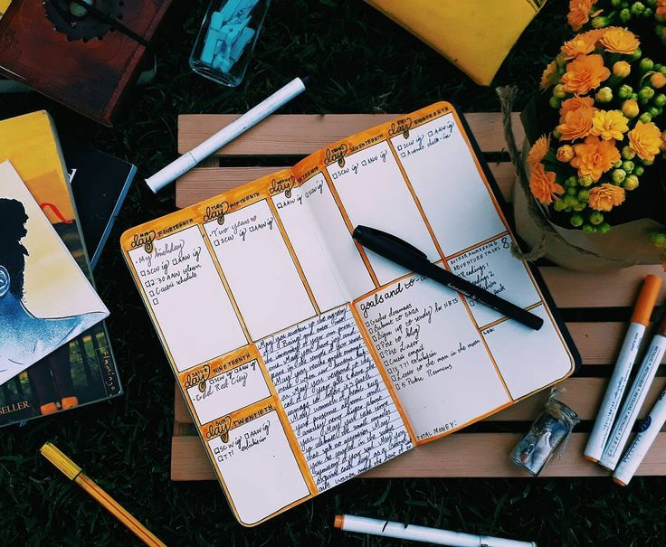 This week's spread is yellow because it's my favourite colour! #shecraftswords