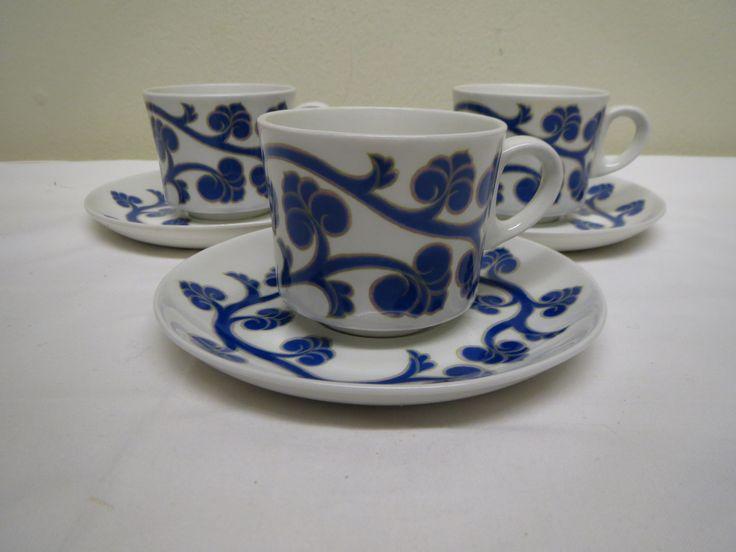 Ihanat Arabian Lyydia -kahvikupit, hyväkuntoiset, harvinaiset, 25 euroa/kpl.