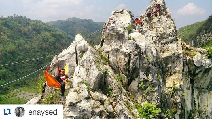 #Repost @enaysed with @repostapp  sometimes happiness and peace can be found on the top of a cliff  terimakasih crew @panjat.tebing.wisata yg barodor namun profesional  terimakasih  @bubblebyu ------------------- #naptime #cliff #canyon #tebing #tebinghawu #hammocklife #explorebandungbarat #gununghawu #padalarang #hiking #nature #height #mountain #climber #wonderfulindonesia #explorejawabarat #mtma #adrenalineaddicts by @extremist_provider
