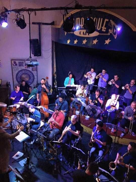 Teatro Comunne recebe shows de jazz e instrumentais toda segunda-feira de outubro. Saiba mais...
