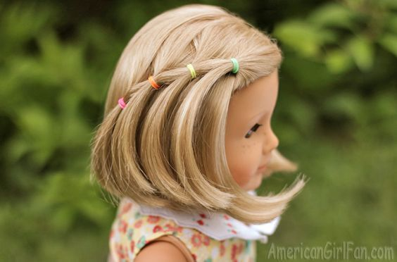 Elastic Waterfall Hairstyle For American Girl Dolls! (click through for tutorial