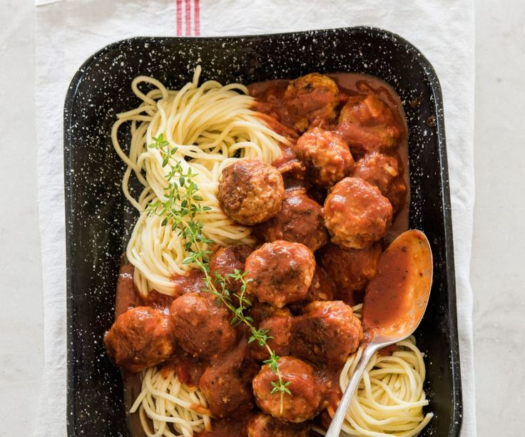 Meatballs - one of my favourite foods! Pork and fennel goes together so well in these ones with a rich tomato sauce and plenty of spaghetti.