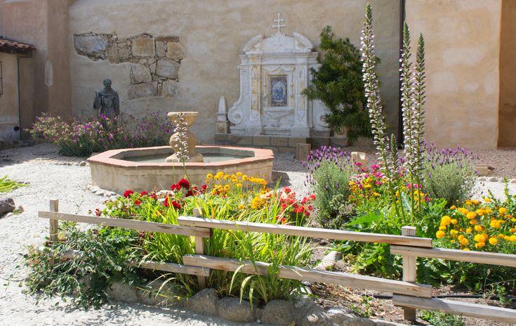 La mission de Carmel Californie - fleurs et fontaines Lire plus sur www.maathiildee.com