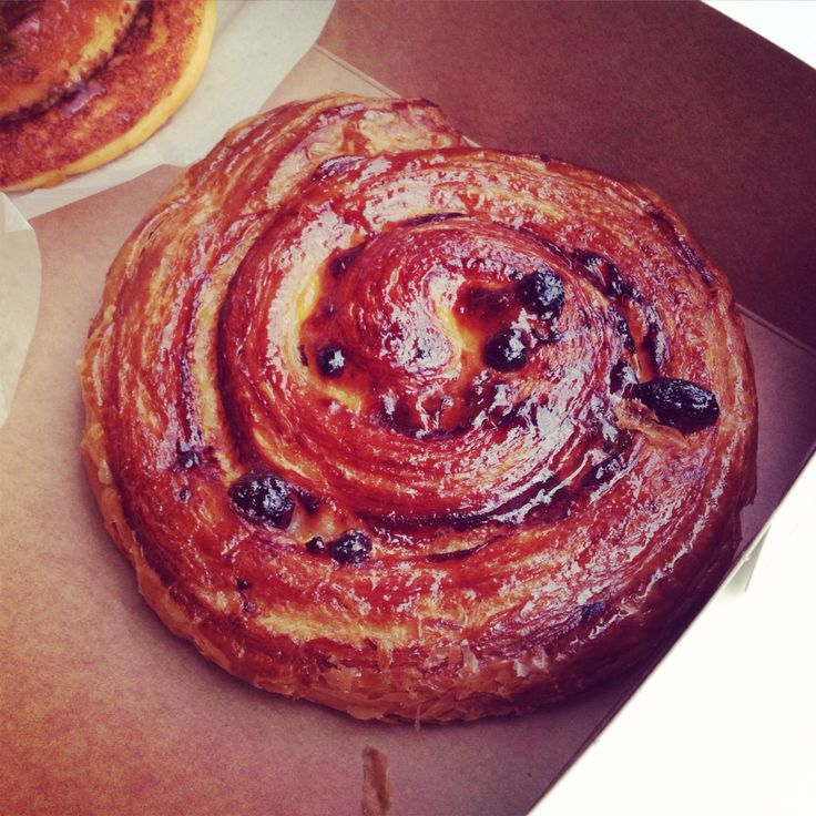 Pop Up Scroll (Collingwood): Cherry and Pistachio.