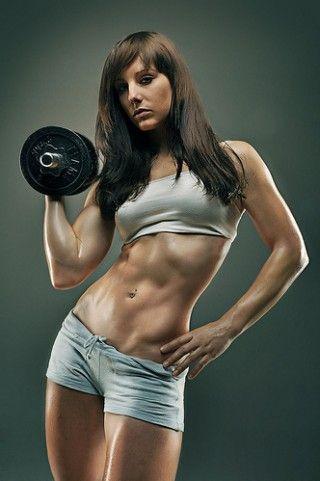 筋肉の種類って??  やはり 筋トレ と一言で言ってもどんな筋肉をつける必要があるのか?を最初に自分自身で知る必要があります。 大きく分けて「持久力をつける 筋トレ 」と「筋肉を大きくする 筋トレ 」の二種類が存在しているそうです!! そう、女性らしいボディ作りなら前者「持久力をつける 筋トレ 」を付けること!