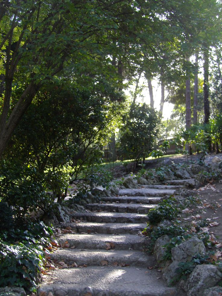 These steps of the Palace's garden make me feel like I'm in a fairytale.